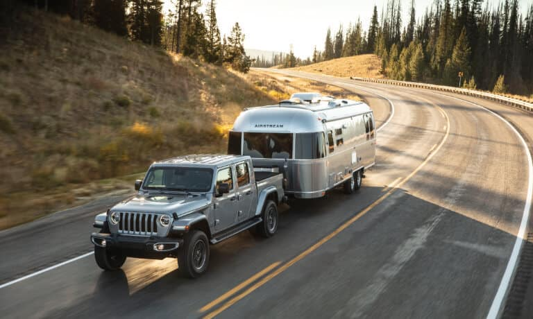 2021 Jeep Gladiator exterior towing trailer